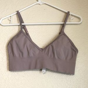 Lululemon sports bra size 8